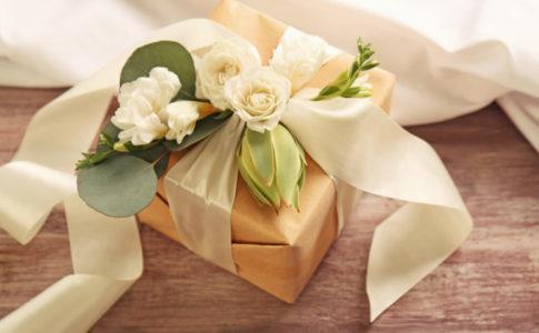 結婚祝いの予算やマナーとは?おすすめのプレゼントをご紹介