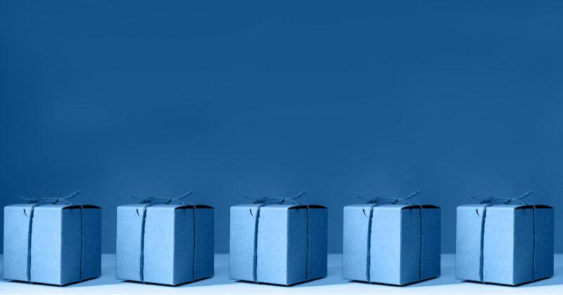 ブルー ギフトボックス