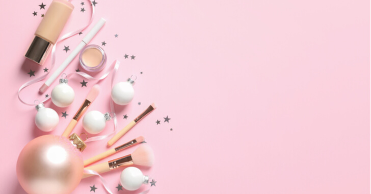 クリスマスプレゼントに贈る化粧品の予算相場はどれくらい?