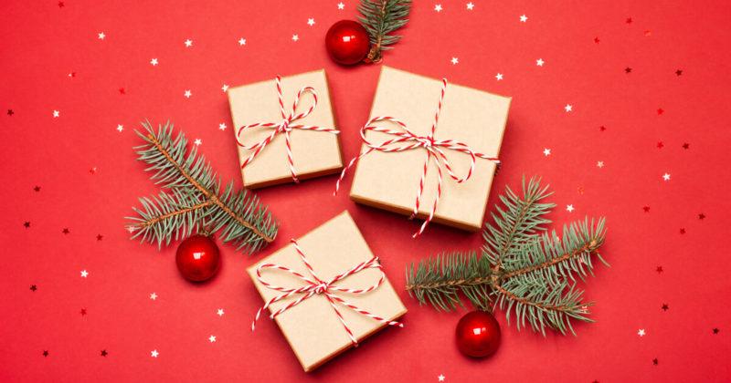 友達とのクリスマスパーティーを楽しみに、プレゼントを用意しよう