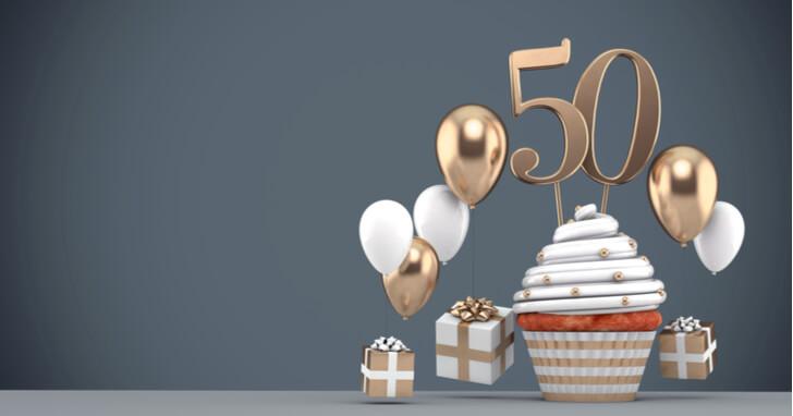 50代の女性への誕生日プレゼントの相場は?