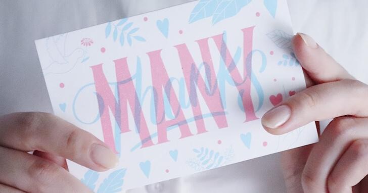 プレゼントにはメッセージカードも添えると◎